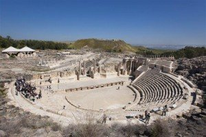 """Beit She'an ampitheatre, site of many gory, bloody """"sports."""""""