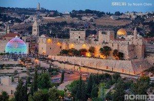 Jerusalem's Light Show. Photo by Noam Chen.